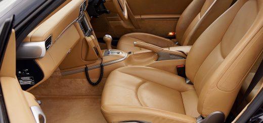 Siège auto en cuir ou siège auto en tissu